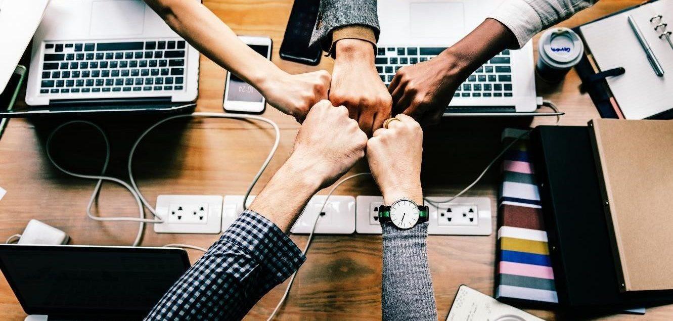 metafinanz schließt Partnerschaft mit HR factory